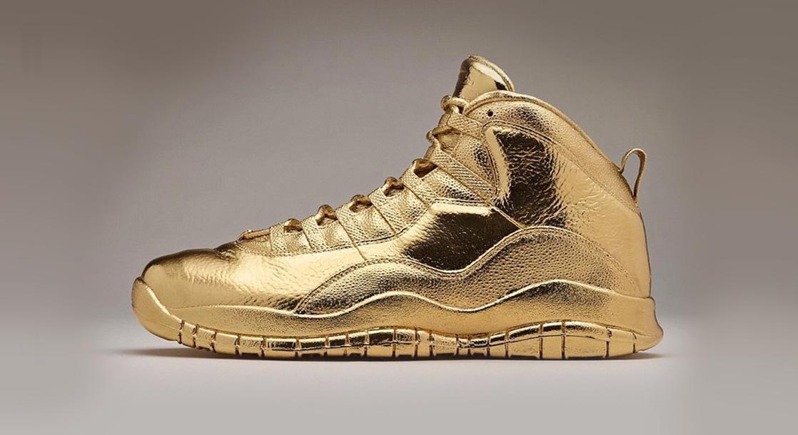 Drake Shows Off His 24K Solid Gold Air Jordan 10s