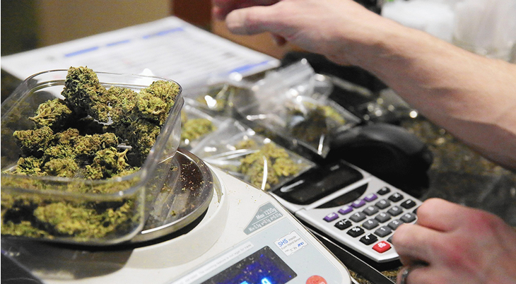 DEA keeps marijuana on list of risky drugs, frustrating advocates