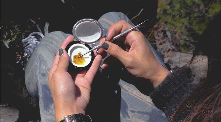 Cannabis Concentrates Women