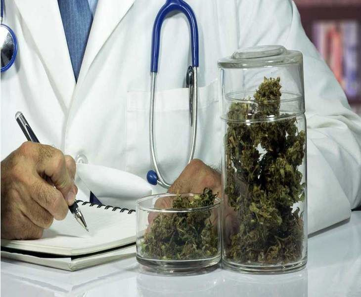 Republican Doctors Less Likely to Recommend Medical Marijuana Than Democrats