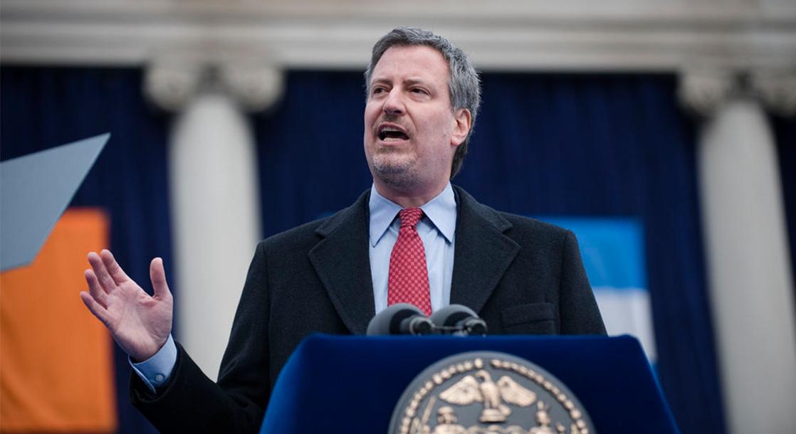 Mayor Bill de Blasio Tells NYPD to Stop Arresting People for Smoking in Public