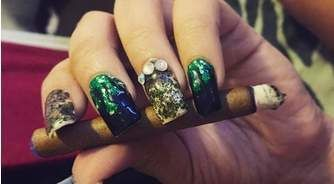 Weed Manicure Nails