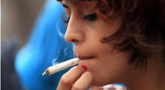 New Study Finds Smarter Kids Are Twice As Likely to Smoke Pot