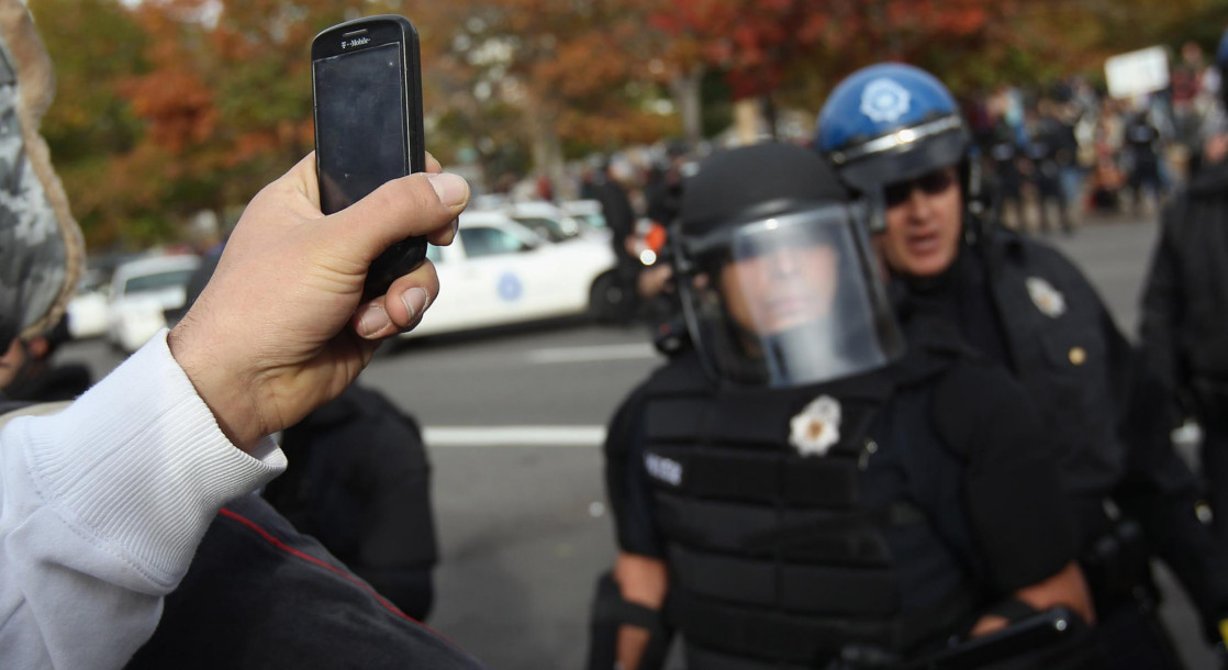 "New ACLU ""Blue"" App Facilitates Civilian Recording of Police"