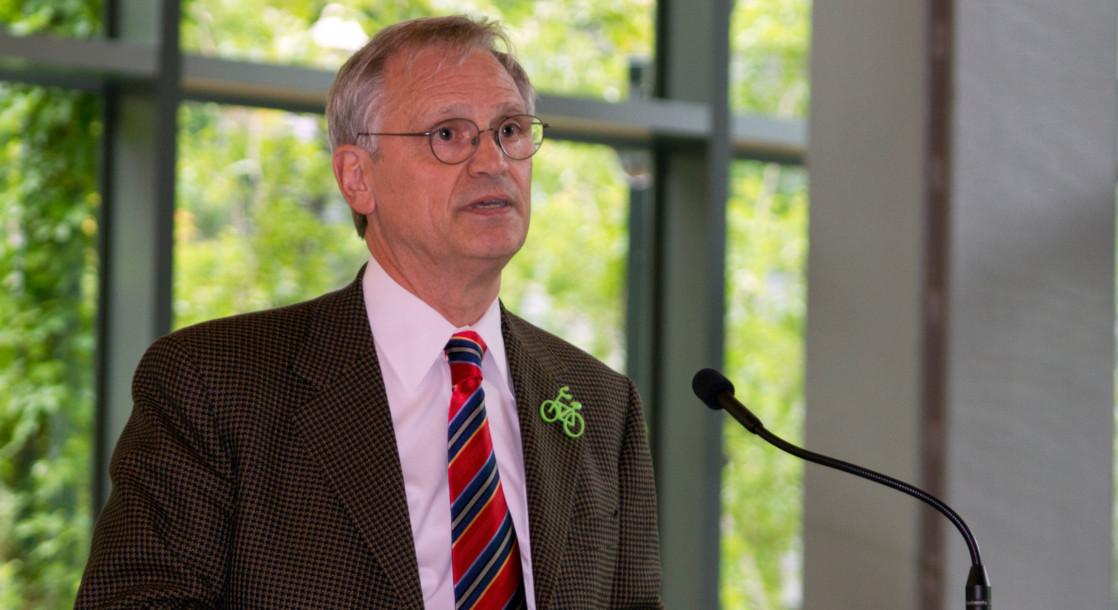 Rep. Earl Blumenauer Tells Congress Medical Marijuana Can Stop Opioid Epidemic