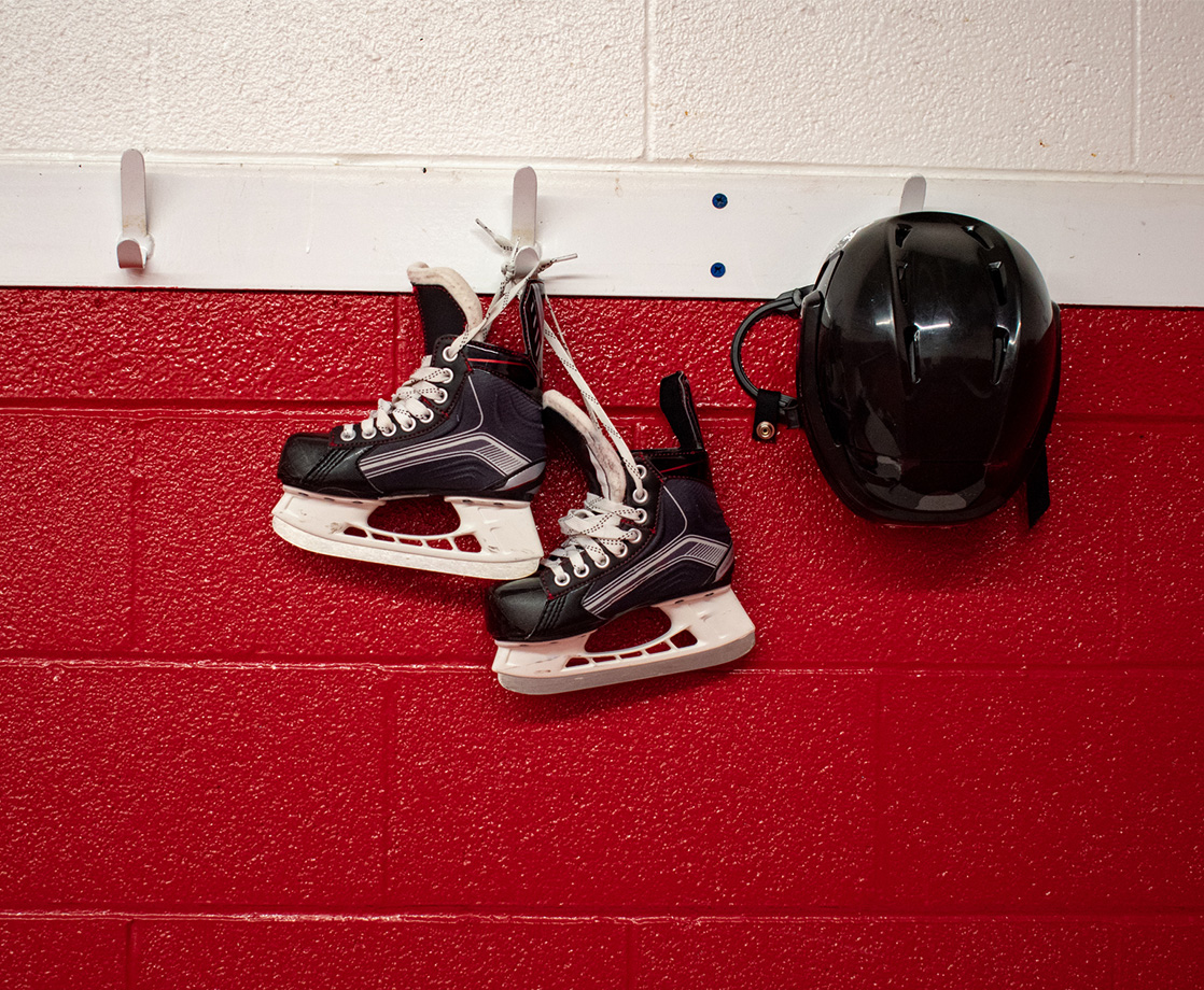 Retired Pro Hockey Players Will Take CBD for Brain Injury Study