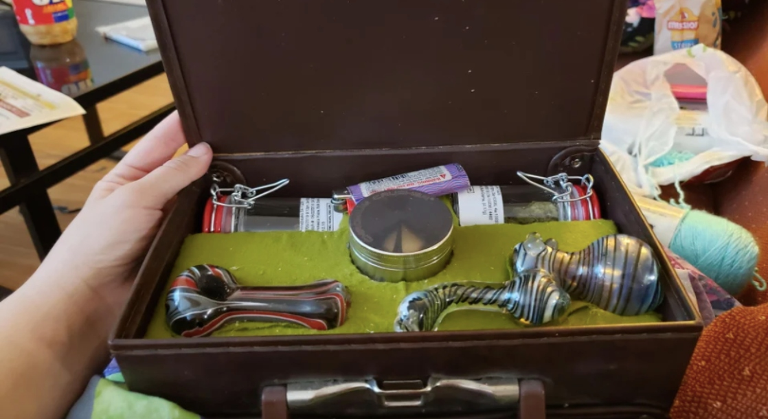 How to Pack Your Stash Box for a Perfect High Every Time