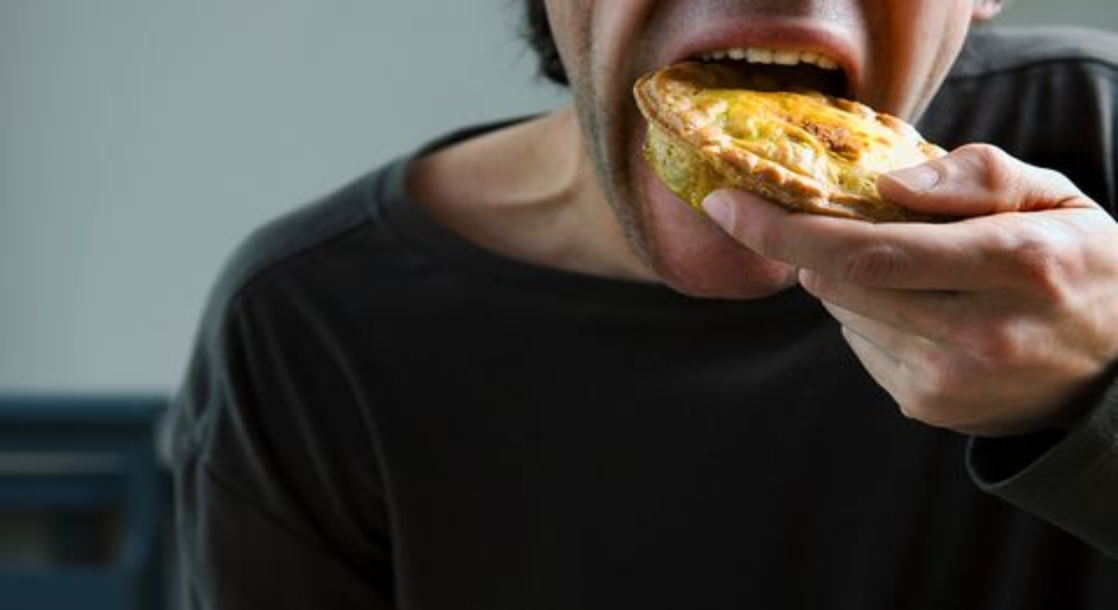 Sleep Deprivation Triggers the Munchies the Same Way Pot Does, Study Shows