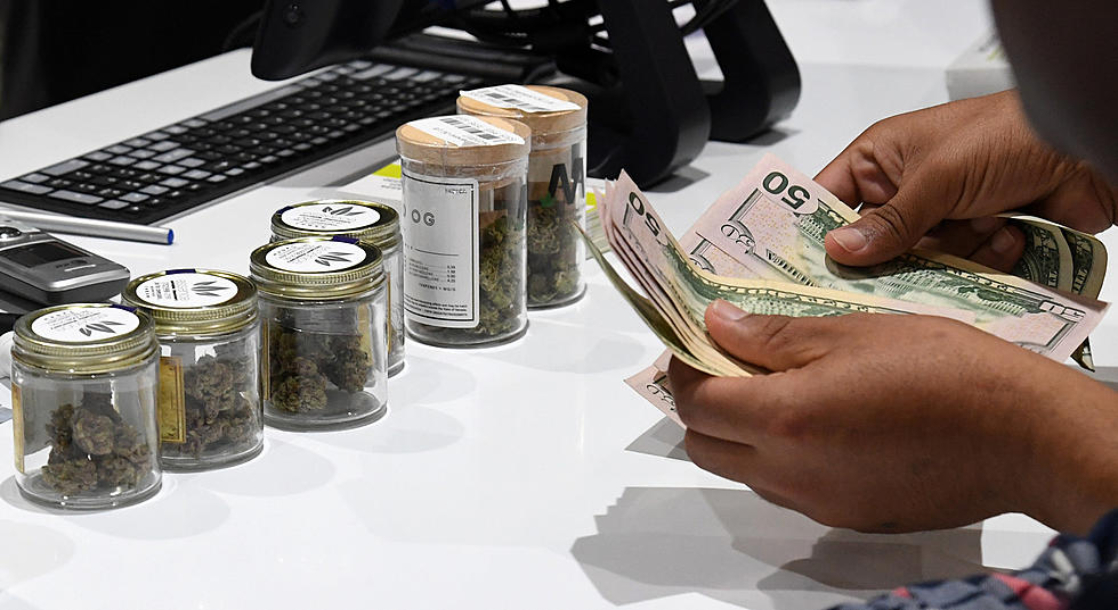 Michigan Sold $1.6 Million in First Week of Legal Weed Sales