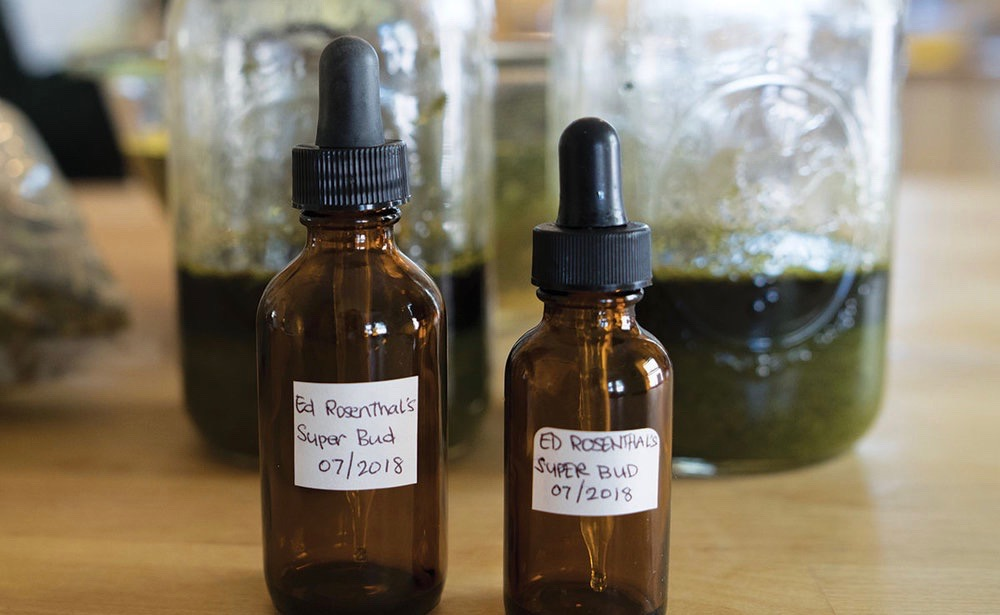 Here's An Easy DIY Recipe for Brewing Strong Cannabis Tinctures